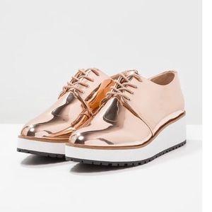 NEW Aldo Lovirede Mirrored Copper Platform Oxford